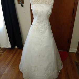 David\'s Bridal Dresses | White Sequin Wedding Dress With Short Full ...